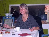 Brigitte Borchers (Gleichstellungsbeauftragte der Stadt Rotenburg) referiert über das Gendern