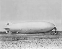"""Dienstuhr auf dem LZ 129 """"Hindenburg"""""""