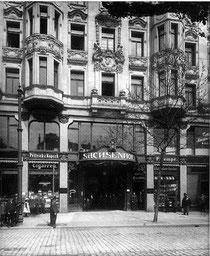 Sachsenhof in Leipzig am Johannisplatz Nr.1/2. Im 2. Weltkrieg zerstört.