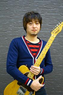 名前/高井真    楽器 エレキギター アコースティックギター    参加アンサンブル/ユニット/グループ/メンバー等 サポートでいろんなところに参加しています。基本ROCK POPSです。  得意ジャンル、POPS / ROCK / BLUES      プロフィール  愛知県名古屋出身  高校在学中にROCK PUNKに影響を受けギターを始める。  上京後様々なバンドでのレコーディング、ライブをこなし  自身のバンドではロサンゼルス海外レコーディング、海外公演を行い  メジャーリリース、自身作曲カラオケ配信  テレビ東京の番組タイアップなどを経験。    その後も  前田由紀(ex Whiteberry)等、沢山のアーティストのライブサポート,音源制作に携わり  多い時で日本全国年間120本以上のライブを行う。      演奏動画、音源、写真、画像等   http://26.gigafile.nu/1018-435f353271cf5db7ee267e8f7c6fbf44  ダウンロードキーaaa    クライアント様へのメッセージ 演奏者としてライブハウスから何万人規模の野外ステージ、海外公演経験あり。