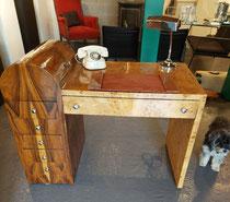 Art-Deco Desk Frankrijk j'30 in wortelhout en palissander € 590,00 contacteer 0479 81 03 89 of antiek.atelier@skynet.be