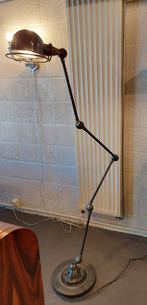 Jean-Louis Domecq- Jielde-Industrieele-staanlamp  Frankrijk 1953  € 640,00 conatacteer 0479 81 03 89 of antiek.atelier@skynet.be