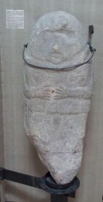 Antropomorphic statue from Rumania