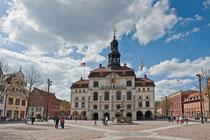 Rathaus Lüneburg und Lunabrunnen