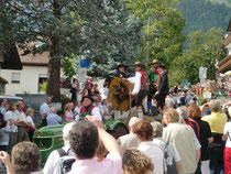 Traditioneller Herbstumzug in Dorf Tirol - alle 2 Jahre
