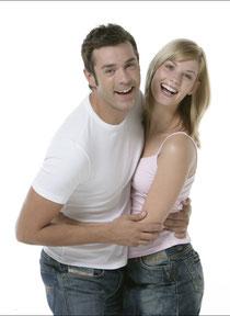 Professionelle Zahnreinigung schützt vor Karies, Parodontitis und Mundgeruch © proDente e.V.