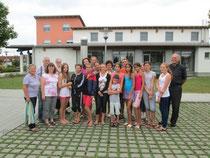 Praktische Hilfe, wie z.B. Urlaub für Kinder aus kontanimierten Gebieten.