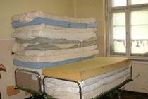 Matrazen und andere Sachspenden als praktische Hilfe