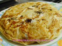 Tortilla de col blanca y setas