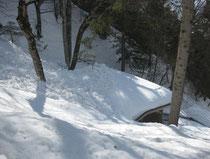 Lawinenabgang auf die Holzhütte 2012