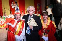 Bierordenträger 2008: Carlo von Tiedemann mit Prinzenpaar Doris I. & Rolf I.
