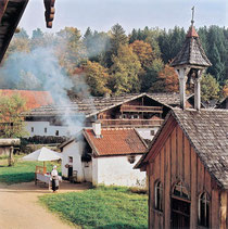 Glasstraße: Museumsdorf Bayerischer Wald in Tittling