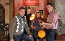 Glasstraße: Gäste glasblasen bei Joska