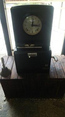 なんとこれ、昔のタイムレコーダーです♪