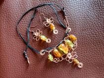 MA-0002 - Kette mit schimmernden Perlen