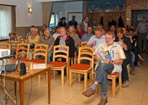 der Saal im Dorfhaus Großfischbach füllt sich
