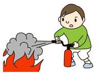 水消火器をつかって訓練します