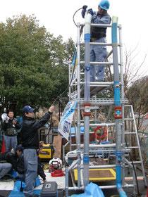 排水管更生工法「マルライナー工法」の見学会の様子