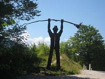 Peter Klepec, kip ob reki Kolpi,  vir: wikipedia, fotografija je v javni lasti