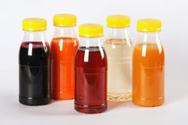 v.l.: Schwarzer Johannisbeer-Zitron, Mehrfrucht ACE, Apfelsaft, Holunderblüten & Orange