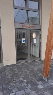 """Nebeneingang und zukünftiger Zugang zur Hebammenpraxis und des Café """"Auszeit"""""""