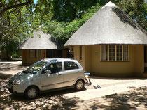 unsere Huette, unser Auto, in Letaba