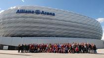 FCB Delegation vor der Allianz Arena