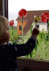 Wenigstens am Fenster ist Frühling