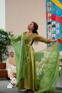 Tanz in der Kirche, sakraler Tanz, orientalischer Tanz, Bauchtanz