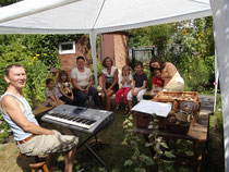 Singen im Garten (August 2013)