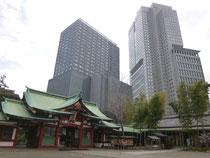 向かって右側が山王パークタワー(226事件の舞台ともなり、戦後は米軍に接収されていた旧山王ホテル)。左は東急キャピトルタワーです。