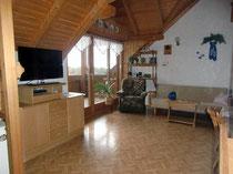 Große Ferienwohnung Ferienhaus Reisinger: Wohnzimmer