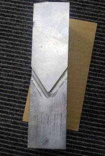 鉛板コード用切り込み加工