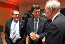 Der stellvertretende Vorsitzende Finanzen des Deutschen Ruderverbandes (DRV), Torsten Gorski, der Bundestagsabgeordnete der SPD, Dr. Sascha Raabe, und HRG-Ehrenvorsitzender Henrik Lotz (von links). Foto: Lotz