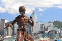Estatua de Bruce Lee en el Paseo de las estrellas de Hong Kong.