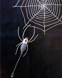 クモのブローチ