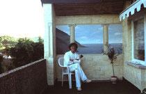 """Ich vor einer meiner ersten Werke der """"giechischen Landschaft"""""""