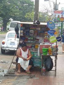 Marktfrau um die  Ecke