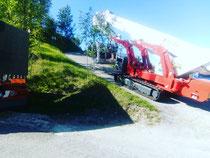Riminigru ragno piattaforma cingolato 43 metri spostamento in strada stretta per raggiungere area di lavoro Pesaro