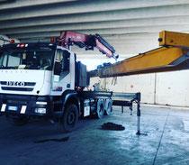 Rimini gru bilico con gru per trasporto e montaggio carroponte