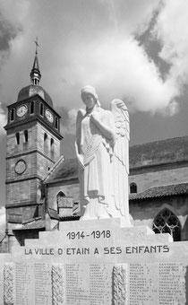 Etain - Monument und wiederaufgebaute Kirche