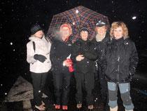 Foto di gruppo delle 5 donne all'arrivo alle 23,00. Da sinistra: Barbara, Gabriella, Paola, Elvadia e Flavia