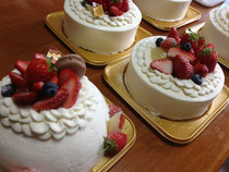 イチゴたっぷりのケーキ