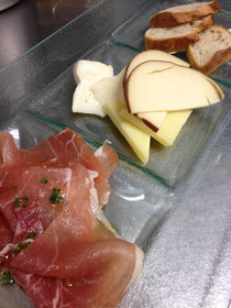 生ハム、チーズの盛り合わせ!