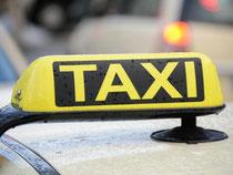Taxifahrer zahlen einen Mehrwertsteuersatz in Höhe von sieben Prozent. Foto: Daniel Bockwoldt