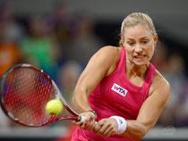 Angelique Kerber kann sich nicht gegen die Spanierin Carla Suárez Navarro durchsetzen. Foto: Daniel Maurer