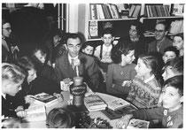 Erich Kästner bei einer Lesung für Kinder, DLA MArbach