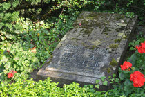 Grabstein Rudolf von Tavel
