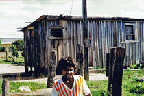 In dieser Hütte wohnte unser Patenkind mit 9 weiteren Personen