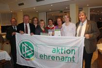 Die Preisträgerinnen mit dem SHFV-Präsidenten Hans-Ludwig Meyer (2. von l.). Es fehlt Imke Rohwer.